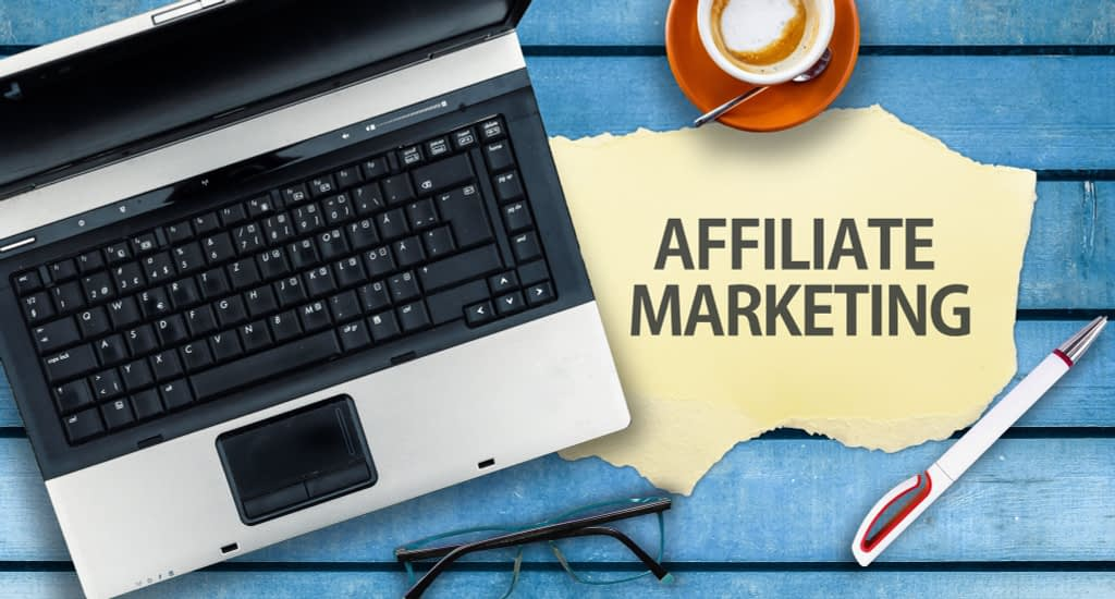 photo showing a workstation of an affiliate marketer